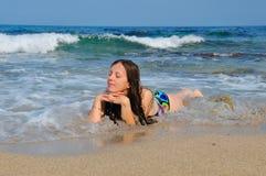 Salighet på den öde stranden Royaltyfri Fotografi