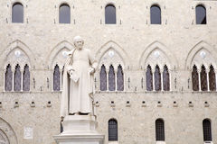 Salimbeni fyrkant, Siena, Tuscany Italien Arkivbilder