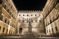 Salimbenivierkant, Siena, Toscanië, Italië Stock Fotografie
