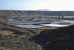 Salinas de Janubio es planos de la sal en Lanzarote de las islas Canarias Imagenes de archivo