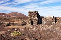 Salinas de los Agujeros y caldera del La, Lanzarote Imagenes de archivo