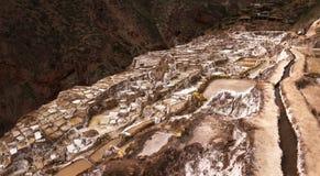 Salinas de Maras, evaporação de sal ponds perto do vale e do Cuzco sagrados no Peru do sul Imagens de Stock