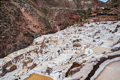 Salinas de Maras, Perù Miniera naturale del sale Pentole di Inca Salt a Maras in valle sacra, Perù Fotografia Stock Libera da Diritti