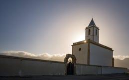 Saline di Las, chiesa famosa dal mare di Almeria fotografia stock