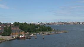Salir de Helsinki en un barco de cruceros almacen de video