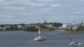 Salir de Helsinki en un barco de cruceros almacen de metraje de vídeo