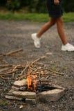 Salir del lugar del fuego imagenes de archivo