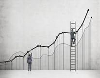 Salire una scala di carriera immagine stock libera da diritti