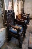 SALISBÚRIA, WILTSHIRE/UK - 21 DE MARÇO: Cadeiras velhas no gato de Salisbúria foto de stock