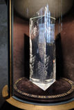 SALISBÚRIA, WILTSHIRE/UK - 21 DE MARÇO: Memorial de vidro de prisma à arte fotografia de stock royalty free