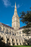SALISBÚRIA, WILTSHIRE/UK - 21 DE MARÇO: Vista exterior de Salisbúria Imagens de Stock Royalty Free