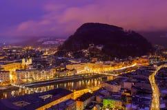 Salisburgo Austria alla notte Fotografie Stock Libere da Diritti