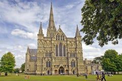 Salisbury domkyrka i England Royaltyfria Bilder