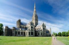 Salisbury-Kathedrale, im Frühjahr Jahreszeit, Salisbury, England stockfotografie