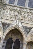 Salisbury-Kathedralen-Fassade, England stockfotos