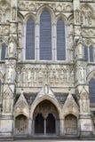 Salisbury-Kathedralen-Fassade, England lizenzfreies stockfoto