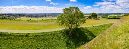 Salisbury panorama som så beskådas från den gamla Sarum bosättningen Wiltshire arkivbilder