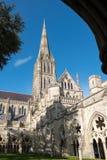 SALISBURY, WILTSHIRE/UK - 21. MÄRZ: Außenansicht von Salisbury Lizenzfreie Stockbilder