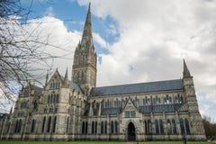 SALISBURY, WILTSHIRE/UK - 21. MÄRZ: Außenansicht von Salisbury Lizenzfreies Stockfoto