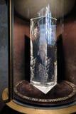 SALISBURY, WILTSHIRE/UK - 21. MÄRZ: Glasprisma-Denkmal zur Kunst Lizenzfreie Stockfotografie