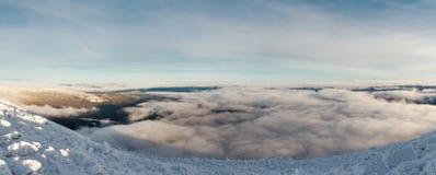 Salita di inverno al iremel della montagna Repubblica di Bashkortostan fotografia stock