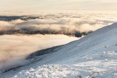 Salita di inverno al iremel della montagna Repubblica di Bashkortostan immagini stock libere da diritti