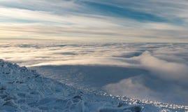 Salita di inverno al iremel della montagna Repubblica di Bashkortostan fotografie stock