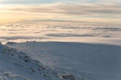 Salita di inverno al iremel della montagna Repubblica di Bashkortostan immagini stock