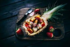 Sallad för nya frukter i ananas Arkivbilder