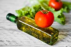 Sallad med höna, grapefrukten, ost och tomater Royaltyfria Bilder