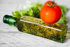 Sallad med höna, grapefrukten, ost och tomater Royaltyfri Foto