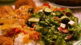 Sallad, ris och kött Royaltyfria Bilder