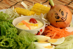Salladgrönsaker, foods som är healthful arkivfoto