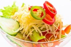 Salladgrönsakgurka, tomat, ost och pomegranate royaltyfri foto