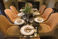 Salle à manger à la maison de luxe. Photo stock