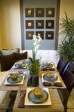 Salle à manger à la maison de luxe. images stock