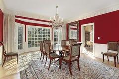 Salle à manger avec les murs rouges Photo libre de droits