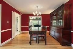 Salle à manger avec les murs rouges Images stock