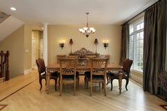 Salle à manger dans la maison de luxe photographie stock libre de droits