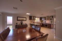 Salle à manger de repas dans la maison de luxe Photo stock