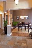 Salle à manger intérieure à la maison photo stock