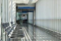 Salle d'attente d'aéroport, secteur de voyageur Photos stock