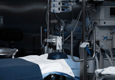 Salle d'opération équipée dans l'hôpital photos stock