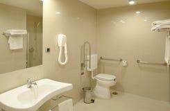 Salle de bains à la chambre d'hôpital moderne images libres de droits