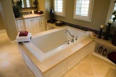 Salle de bains à la maison de luxe Photos stock