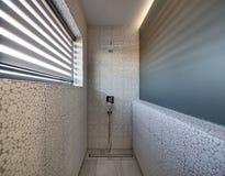 Salle de bains élégante dans le style moderne Images stock