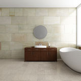 Salle de bains avec le tube Photographie stock libre de droits