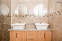 Salle de bains Chambre de toute neuve image libre de droits