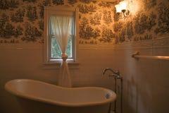 Salle de bains chaude intérieure image stock