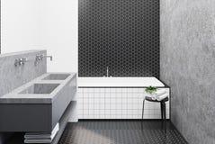 Salle de bains concrète, baquet carrelé Images libres de droits